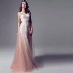 Se eu soubesse da existência desse vestido, teria optado por uma festa de 15 anos só para usá-lo. hahahaha