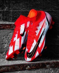 Nike Football Boots, Soccer Boots, Football Soccer, Best Soccer Shoes, Best Soccer Cleats, Souliers Nike, Adidas Cleats, Boy Shoes, Soccer Shoes