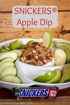 SNICKERS® Apple Dip- Love, Pasta and a Tool Belt #Chocolate4TheWin #shop | recipe | desserts | DIY | party food | idea |
