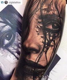 Foto: Impresionante trabajo de @ciglatattoo Awesome job by @ ciglatattoo Necesitará unas aplicaciones de Tattoo Care para seguir así de perfecto. It will need some Tattoo Care to keep on being so perfect!