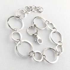 Hammered Silver Circles Bracelet - Sterling Silver Handmade Chain Bracelet - Silver Jewelry - Everyday Silver Bracelet - JEWELS I LUV, Silver Jewelry Box, Silver Necklaces, Sterling Silver Bracelets, Silver Rings, Gold Jewellery, Gemstone Jewelry, Gucci Jewelry, Silver Bangles, Antique Jewelry