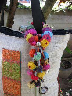 Charm Zip Pull Bag Accessories Pom Pom Curtain por ThaiHandbags