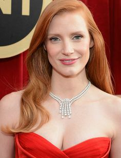 Jessica Chastain in Harry Winston Splash Necklace at the 2013 SAG Awards