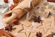 La pasta frolla alle nocciole è una variante della classica pasta frolla ancora più gustosa e particolare, ideale per biscotti e crostate di vario tipo. Ecco la ricetta
