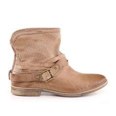 1327e8388 Arezzo | Inverno 2014 Bota Cano Curto Areia Botas De Couro, Tendência Em  Sapatos,