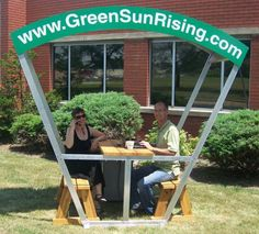 Solar Bench Lets You Charge Your Gadgets While You Work Outside : TreeHugger