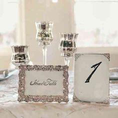 idée de décoration pour table avec accessoires argentés