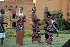 Beautiful African Women in Traditional & Trendy Attire