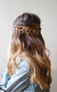 hair | half-up braided style