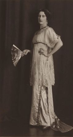 Thea Porter, 1912. Photographed by May and Mina Moore.