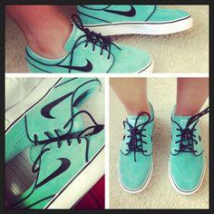Nike janoskis... WANT these so bad