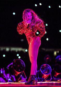 Beyoncé Formation World Tour Soldier Field Chicago Illinois More Nice Pins Press Beyonce Body, Beyonce Style, Beyonce And Jay Z, Formation Tour, The Formation World Tour, Queen Bee Beyonce, Beyonce Performance, Beyonce Coachella, Beyonce Photoshoot