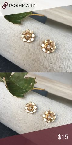 Little Kate Spade floral studs with crystal Super cute great condition. kate spade Jewelry Earrings