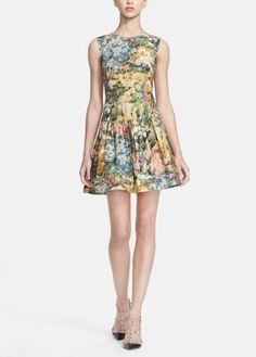 The print on this poplin dress looks like artwork | RED Valentino  Ғσℓℓσω ғσя мσяɛ ɢяɛαт ριиƨ>>>> Ғσℓℓσω: нттρ://ωωω.ριитɛяɛƨт.cσм/мαяιαннαммσи∂