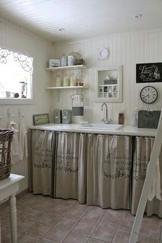 Farmhouse Kitchen Curtains – New Kitchen Ideas Collection Kitchen Pantry Cabinets, Painting Kitchen Cabinets, Kitchen Paint, Kitchen Wood, Kitchen Storage, Kitchen Small, Kitchen White, Kitchen Modern, Kitchen Countertops