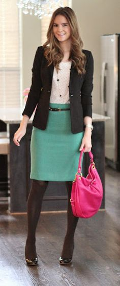 Love this outfit with the polka doted top, the green skirt, the blazer, and the pop of pink.