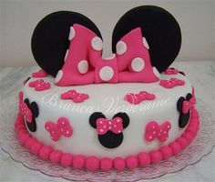 Minnie Mouse Birthday Decorations, Minnie Mouse Theme Party, Minnie Birthday, Birthday Cake Girls, Minni Mouse Cake, Minnie Mouse Cookies, Cake Icing Tips, Fondant Cake Designs, Bolo Minnie