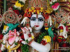 http://harekrishnawallpapers.com/sri-govinda-close-up-iskcon-tirupati-wallpaper-001/