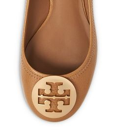 Tory Burch ballet flats - up to 30% off with code: LUCKY http://rstyle.me/n/ubzwapdpe