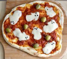 Halloween Pizza, Halloween Goodies, Homemade Halloween, Halloween Food For Party, Halloween Ghosts, Halloween Treats, Halloween Dinner, Halloween Night, Happy Halloween