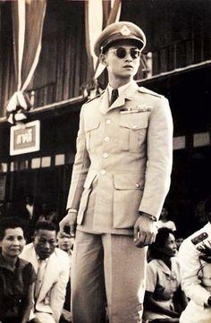 His Majesty King Bhumibol Adulyadej King Phumipol, King Rama 9, King Of Kings, King Queen, King Thailand, Bangkok Thailand, Queen Sirikit, Bhumibol Adulyadej, King Photo