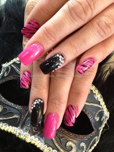Pink+and+black+freehand+nail+art+with+Swarovski+crystals