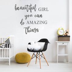 Muursticker tekst Beautiful girl - amazing thing | babykamer - kinderkamer - meisje | modern - hip