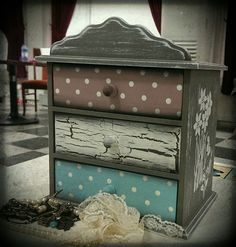 Funky Painted Furniture, Decoupage Furniture, Colorful Furniture, Furniture Projects, Furniture Makeover, Vintage Furniture, Diy Furniture, Diy Painting, Painting On Wood