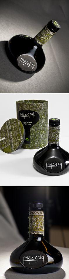 """Malaka  Embalaje y rediseño de imagen gráfica """"Borges""""    - Caja protectora  - Botella de aceite    Propuesta desarrolladada en  2011"""