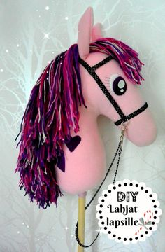 DIY Helppo keppihevonen. Sewing For Kids, Diy For Kids, Crafts For Kids, Baby Crafts, Diy And Crafts, Easy Hobbies, Horse Birthday Parties, Stick Horses, Mermaid Crafts
