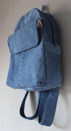 Denim Backpack with Large Front Velcro Pocket Two by AllintheJeans Diy Bags Jeans, Denim Tote Bags, Diy Tote Bag, Denim Purse, Blue Jean Quilts, Denim Quilts, Mochila Jeans, Crochet Gloves Pattern, Denim Backpack