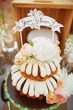 beautiful nontraditional bundt cake photo by Emily Heizer Unique Wedding Cakes, Nontraditional Wedding, Wedding Cake Designs, Nothing Bundt Cakes, Wedding Cake Inspiration, Wedding Ideas, Table Wedding, Wedding Art, Wedding Details