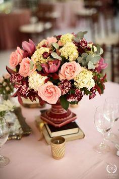 Casamento no campo: menta, rosa e dourado | 2wed.com.br  Decoração Rosa Quartz e…