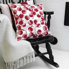 Red-cheeked Omenapuu #Christmascollection #pentik #interior #textiles