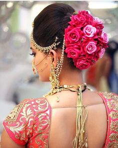 Indian bridal hairstyles with flowers are becoming popular because they are quite inexpensive and unique as well. They cost a fraction of what other hairstyles cost. Bridal Hairstyle Indian Wedding, Bridal Hair Buns, Bridal Hairdo, Hairdo Wedding, Indian Wedding Hairstyles, Indian Bridal Makeup, Bridal Makeup Looks, Wedding Makeup, Wedding Bride