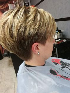 Hair Beauty - 43 Fascinating Pixie Haircut Ideas For Short Hair To Try Now Bob Hairstyles For Fine Hair, Short Pixie Haircuts, Pixie Hairstyles, Short Hairstyles For Women, Haircut Short, Medium Hairstyles, Short Hair With Layers, Short Hair Cuts For Women, Short Hair Styles