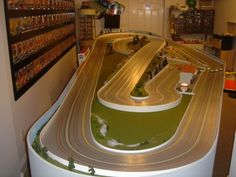 alot of thought here! Race Car Sets, Slot Car Race Track, Ho Slot Cars, Slot Car Racing, Slot Car Tracks, Race Cars, Race Tracks, Arcade, Architecture Design