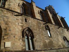 Para comenzar la semana publicamos la capilla de Santa Ágata.