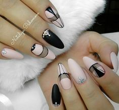 Almond nail art designs for girls on the go, trendy bright colors and warm colors for every woman, we sorted beautiful design that you can Nail Art Designs, Acrylic Nail Designs, Gorgeous Nails, Pretty Nails, Hair And Nails, My Nails, Almond Nail Art, American Nails, Almond Nails Designs