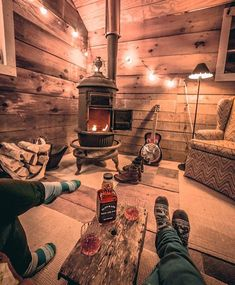 n this article, we will talk about excellent log cabin interior design you can apply into your cabin. Furnishing a log Cabin Interior Ideas. Small Log Cabin, Little Cabin, Tiny House Cabin, Log Cabin Homes, Cozy Cabin, Log Cabins, Rustic Cabins, Winter Cabin, Tiny Cabins