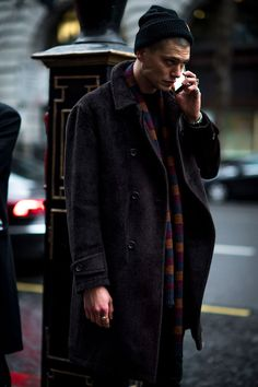 London Fashion Week Men's street style: the strongest looks from the LFWM shows from our photographers and editors Cool Street Fashion, Look Fashion, Trendy Fashion, Fashion Outfits, Fashion Design, Fashion Trends, Fashion Coat, Suit Fashion, Fashion Styles