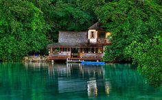 GOLDEN EYE – Resort in Jamaica