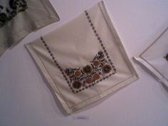 Embroidery, Tableware, Needlepoint, Dinnerware, Tablewares, Dishes, Place Settings, Crewel Embroidery, Embroidery Stitches