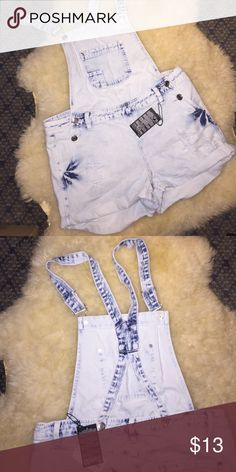 F21 Denim Overall Shorts Acid wash light denim shortalls. Size L. New never worn with tags Forever 21 Shorts