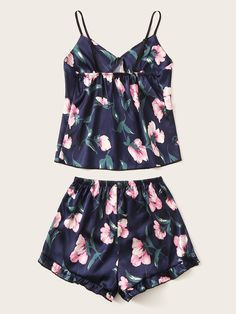 Cute Lazy Outfits, Summer Outfits, Casual Outfits, Fashion Outfits, Satin Pyjama Set, Pajama Set, Pijamas Women, Color Combinations For Clothes, Cute Pjs