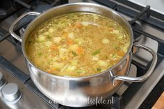 Rice and spring vegetables stewed - Healthy Food Mom Dutch Recipes, Easy Soup Recipes, Light Recipes, Gourmet Recipes, Healthy Recipes, Quick And Easy Soup, Good Food, Yummy Food, Vegetable Stew