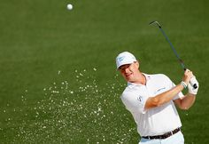Ernie Els Makes a 9 at the Masters First Hole