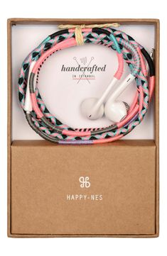 10 stylish tech gifts for the techie with impeccable taste - Diy - Craft Stylish tech gifts for the trendsetter in your life: Happy-ness woven earbuds - Friendship Bracelets Designs, Bracelet Designs, Tech Gifts, Diy Gifts, Bijoux Design, Accessoires Iphone, Bracelet Crafts, Apple Products, Holiday Gift Guide