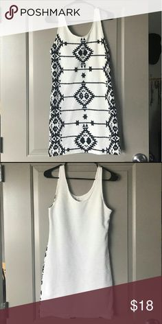 H&M Divided Tribal Print Black and White Dress Cute bodycon dress. Aztec native print. Super stretchy. Size large but can fit a medium. H&M Dresses Mini