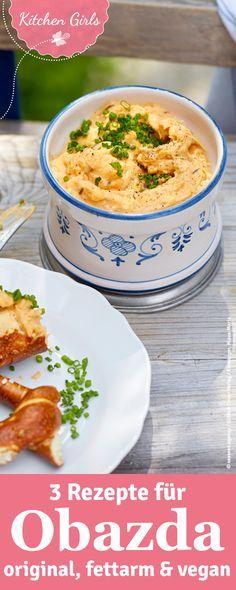Klassischer Obazda Recipe for Obazda: It's so easy to imitate the Bavarian delicacy! We show you three recipes for classic, low-fat and vegan Obazda! Vegan Sauces, Vegan Dishes, Oktoberfest Food, Veggie Recipes, Healthy Recipes, Tasty, Yummy Food, Paleo Dinner, Going Vegan